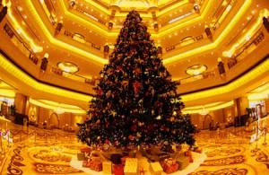новый год, самая дорогая елка в мире,елка,японская елка,ювелирные украшения для елки.
