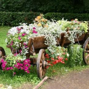 Как украсить садовый участок своими руками?