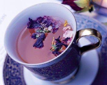 Что представляет собой чай как пищевой продукт ?