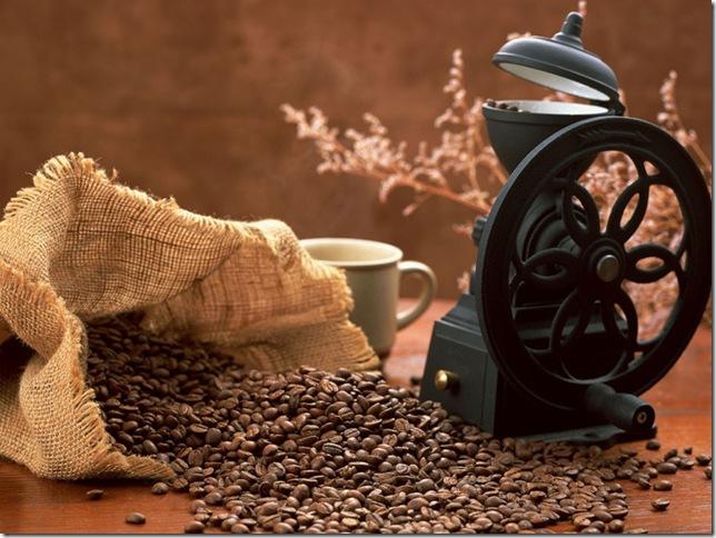 использовать кофейную гущу