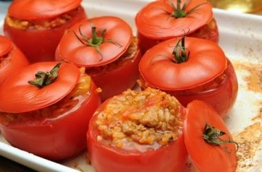 Как приготовить фаршированные помидоры?