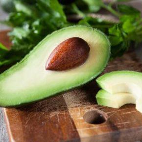 Авокадо - полезные свойства, противопоказания. Как едят авокадо и из него приготовить