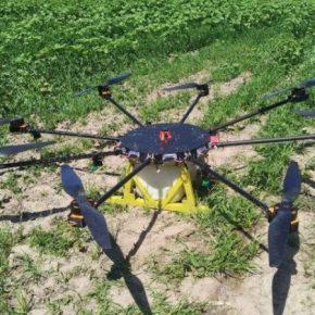 Отечественный изобретатель презентовал октокоптер для защиты сельхозкультур