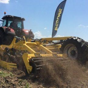 BEDNAR провел летние обучение с настройки почвообрабатывающих агрегатов