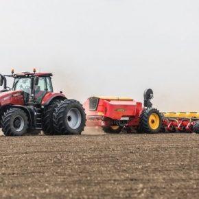 Третий год держится мировой рекорд скоростного высева кукурузы