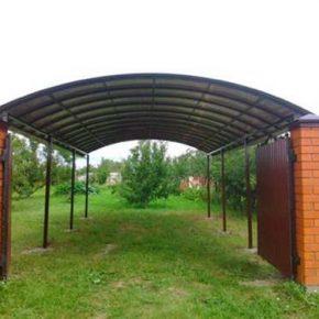 Навес из профнастила: как построить на дачном участке